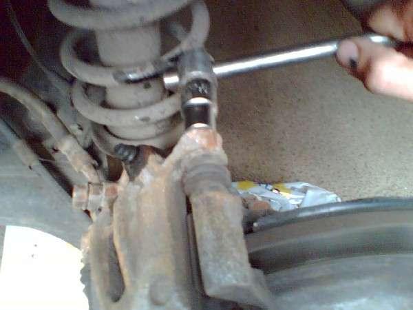 Замена тормозных колодок автомобиля Toyota Corolla (фотоотчет) (toyota_1.jpg)