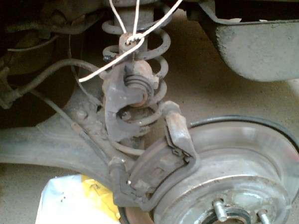 Замена тормозных колодок автомобиля Toyota Corolla (фотоотчет) (toyota_4.jpg)